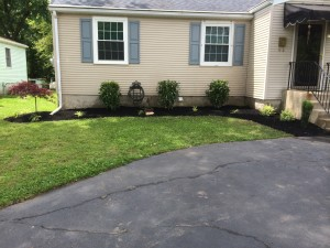 8-26-14_landscaping_after_03a