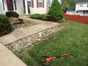 8-26-14_landscaping_before_05b